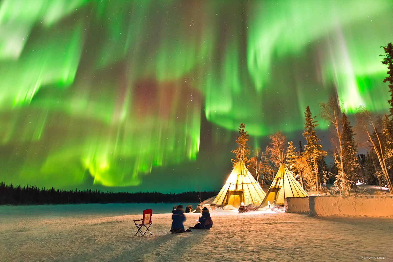 Северное сияние на территории Нунавут, Канада.