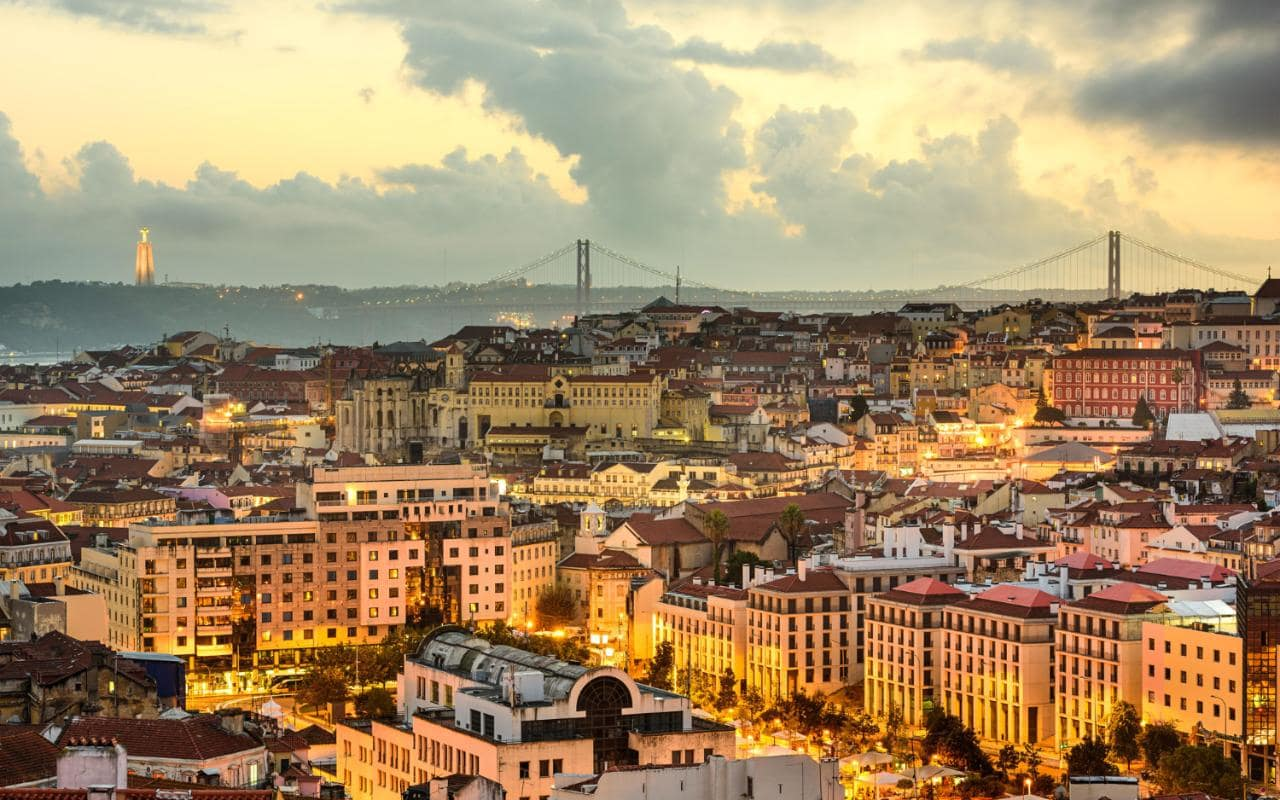 Expat dating in portugal | SEARCH-MAGUIRE GQ